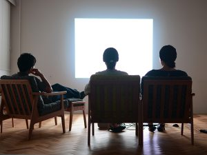 映画をみる時オススメのソファ